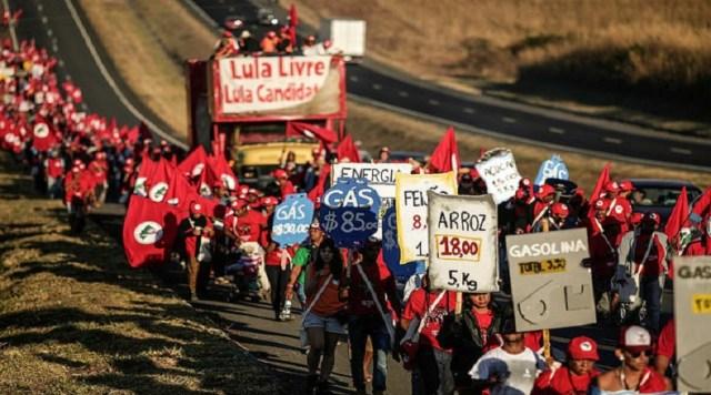 Los marchantes se encuentran divididos en tres grupos, uno que partió de la ciudad de Formosa, otro saldrán de Luziânia y los demás se movilizarán desde la ciudad de Engenho, con el objetivo de que todos lleguen el martes 14 a la capital federal.