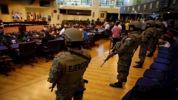 Pedirán interpelar a ministros de Defensa y de Seguridad
