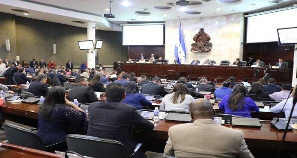 Un reporte del Ministerio de Salud con cifras actualizadas hasta este miércoles detalla queen Honduras se reportan 3.100 casos confirmados.