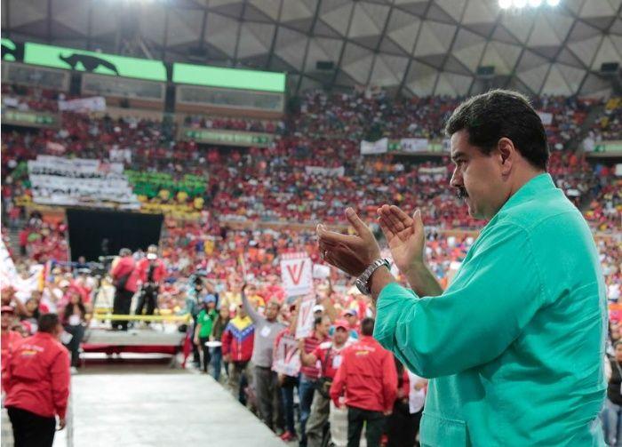 El presidente Nicolás Maduro anunció que movimientos sociales demandarán jurídicamente a la oposición por utilizar sus firmas.