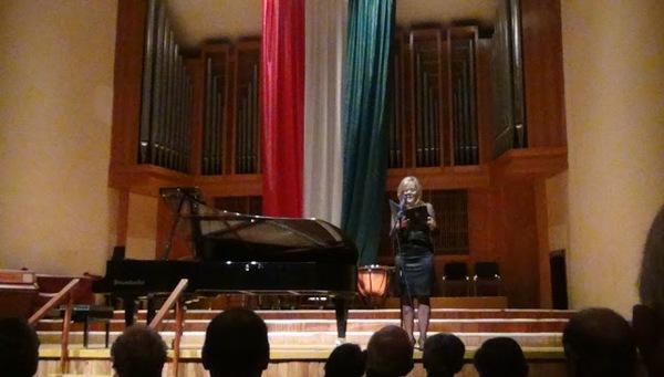 56-os ünnepi zongoraest Kassán