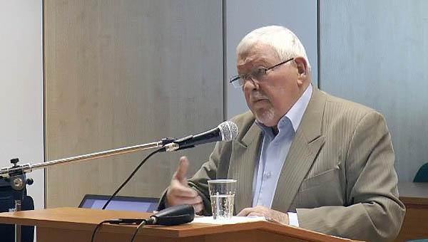 Elhunyt Miroslav Kusý