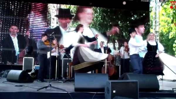 A Pósfa zenekar és a Kőris Néptáncegyüttes