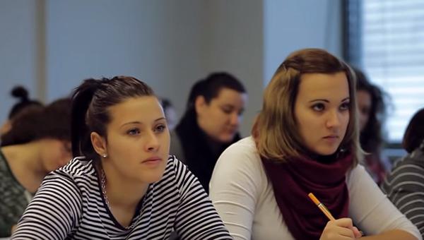 A nyitrai KFE Közép-európai Tanulmányok Karának hallgatói