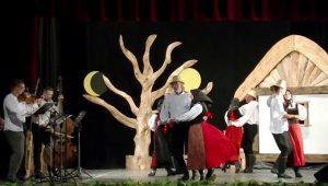 Aranykert Tánccsoport - széki táncok