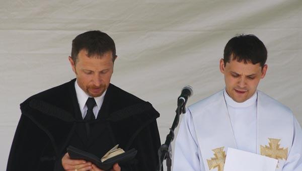 Kiss Tibor református lelkész és Nemes Attila plébános