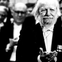 105 éve született William Golding, A Legyek Ura írója