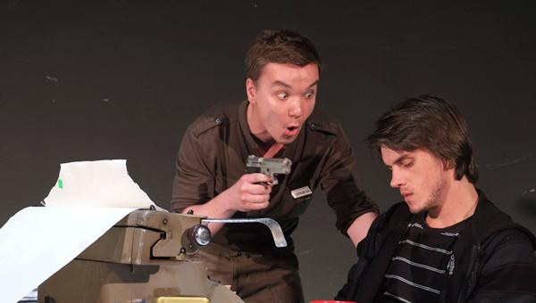 Culka Ottó az Ujo vankúšik - Párnaember előadásában a pozsonyi Aréna színházban