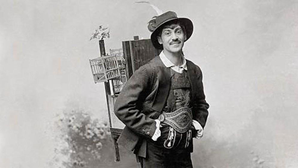 Alexander Girardi as Adam in the operetta 'Der Vogelhaendler' by Carl Zeller Photograph Austria