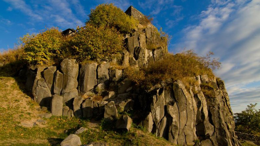 A salgói vár sziklái