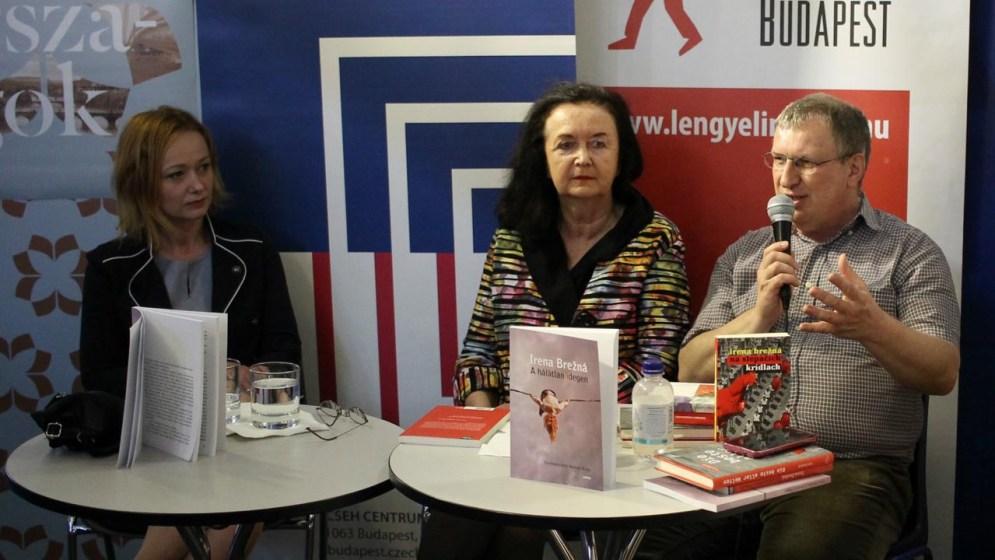 Az idei Könyvfesztiválon, balról: Vályi Horváth Erika, Irena Brežná és G. Kovács László