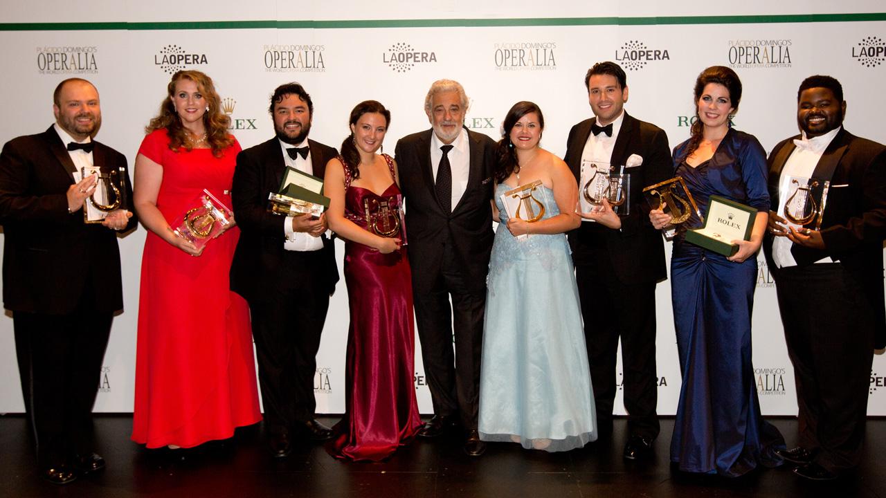 Plácido Domingo és a győztesek (fotó: Craig Mathew)