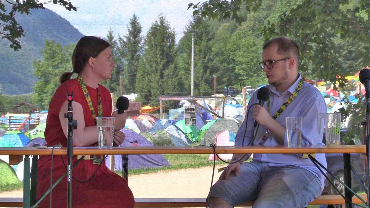 Sólymos Karin, a Trafik.sk munkatársa Adam Valčekkal, aSME napilap tényfeltáró újságírójával beszélgetett