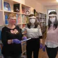Mit csinál akönyvtáros, ha akönyvtár zárva tart? (2)