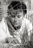 Photo_portrait_of_Harper_Lee_(To_Kill_a_Mockingbird_dust_jacket,_1960)_(cropped)
