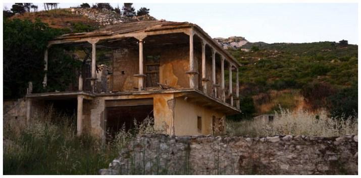 Αποτέλεσμα εικόνας για εγκαταλελειμμένο λατομείο της πεντελης