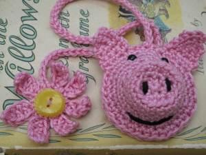 crochet a Piggy bookmark