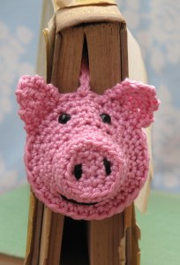 crochet kit piggy bookmark