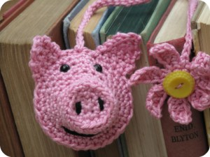 crochet piggy bookmark