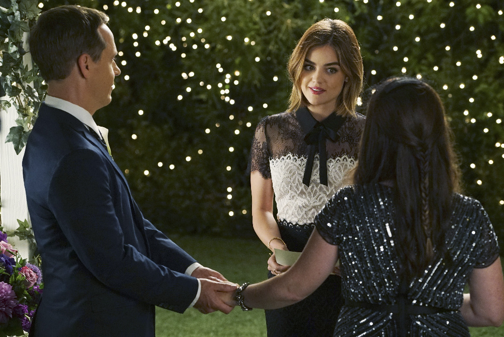 """PRETTY LITTLE LIARS - """"We've All Got Baggage"""" - Love is in the air in Rosewood in """"We've All Got Baggage,"""" an all-new episode of the hit original series """"Pretty Little Liars,"""" airing TUESDAY, FEBRUARY 23 (8:00 – 9:00 p.m. EST) on Freeform, the new name for ABC Family. (Freeform/Eric McCandless)"""