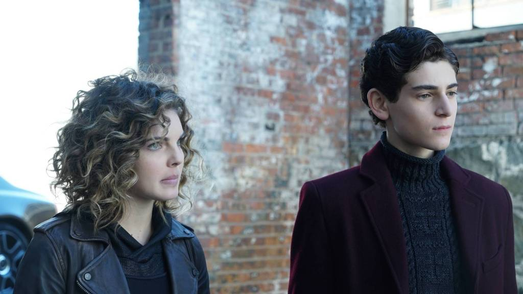 GOTHAM: L-R: Camren Bicondova and David Mazouz in the ÒMad City: Time BombÓ episode of GOTHAM airing Monday, Nov. 21 (8:00-9:01 PM ET/PT) on FOX. Cr: FOX.