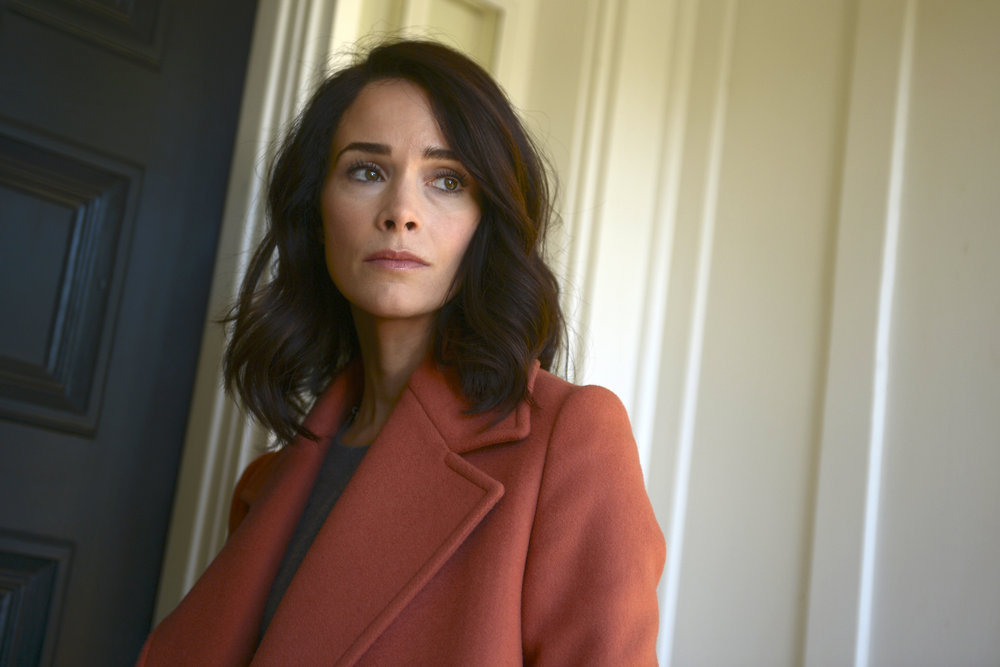 Abigail Spencer Heading To Greys Anatomy Tell Tale Tv