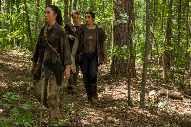 Alanna Masterson as Tara Chambler, Briana Venskus as Beatrice, Nicole Barre as Kathy- The Walking Dead _ Season 7, Episode 6 - Photo Credit: Gene Page/AMC