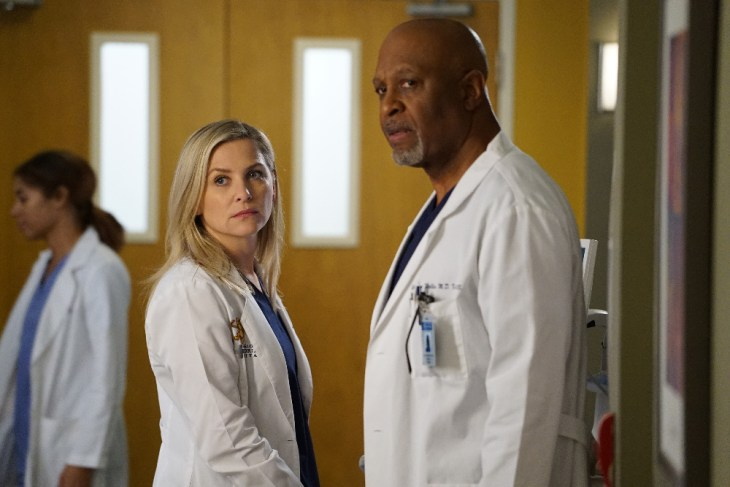 "GREY'S ANATOMY - ""Back Where You Belong"" - Alex returns to the hospital and discovers a lot has changed since he left. Meanwhile, Jo has to make a difficult decision on a case, and Arizona tries to distance herself from Eliza, on ""Grey's Anatomy,"" THURSDAY, FEBRUARY 23 (8:00-9:01 p.m. EST), on the ABC Television Network. (ABC/Eric McCandless)"