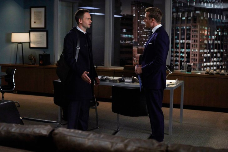 "SUITS -- ""Quid Pro Quo"" Episode 615 -- Pictured: (l-r) Patrick J. Adams as Michael Ross, Gabriel Macht as Harvey Specter -- (Photo by: Shane Mahood/USA Network)"