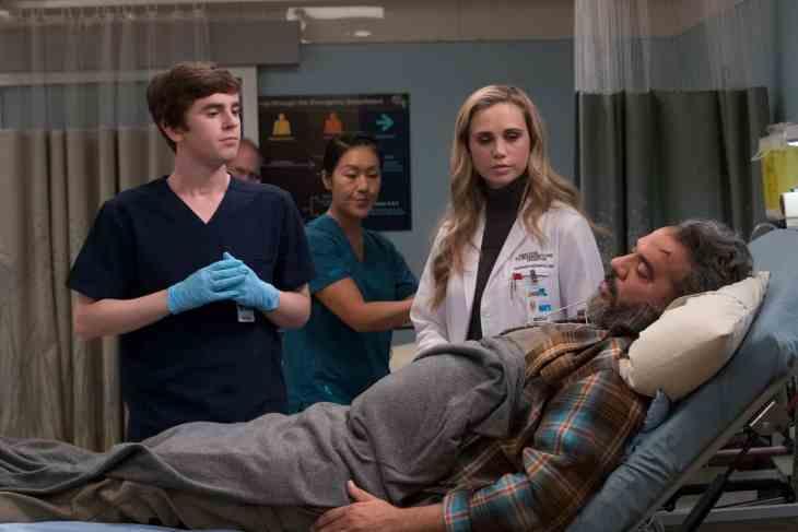 "The Good Doctor Season 2 Episode 7 ""Hubert"" - FREDDIE HIGHMORE, ELFINA LUK, FIONA GUBELMANN, HEMKY MADERA"