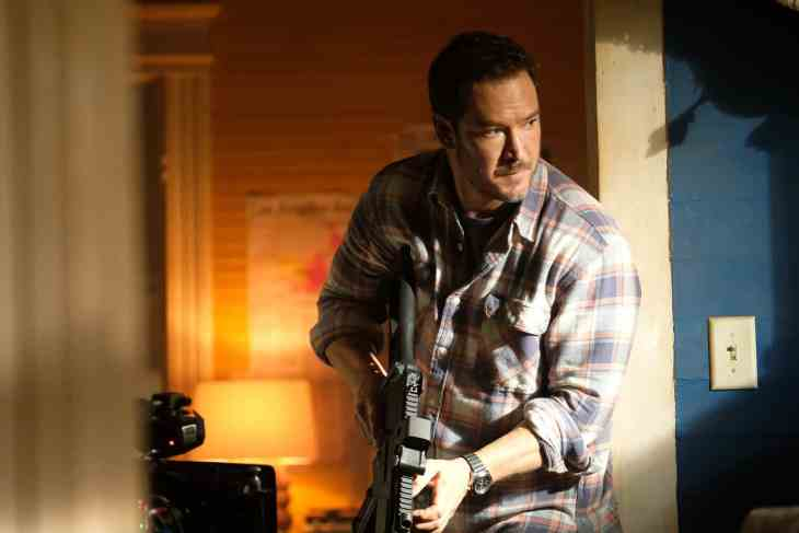 """THE PASSAGE: Mark-Paul Gosselaar in the """"You Owe Me a Unicorn"""" episode of THE PASSAGE"""