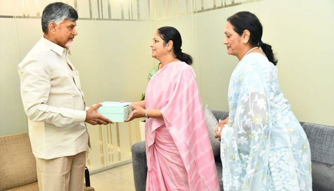 Jayasudha Invites Chandrababu To Her Sons Wedding