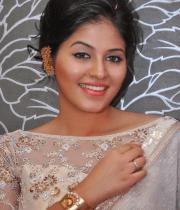 anjali-latest-stills-in-white-sari-05