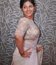 anjali-latest-stills-in-white-sari-11