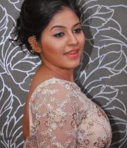 anjali-latest-stills-in-white-sari-16