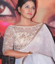 anjali-latest-stills-in-white-sari-18