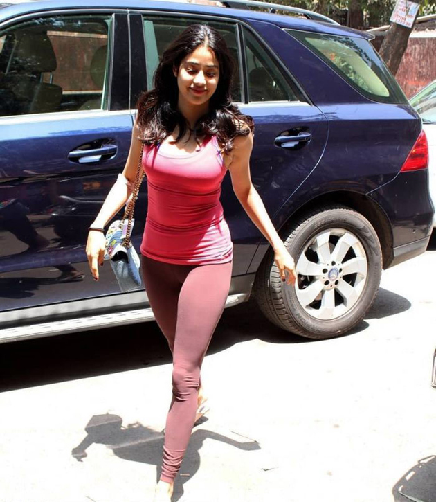 jhanvi-kapoor-latest-pics_9