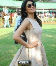 shriya-saran-mini-skirt-hot-photos-3-685x1024