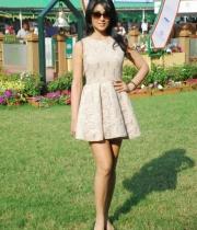 shriya-saran-mini-skirt-hot-photos-7-685x1024