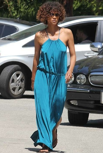 Halle Berry Fashion and Style  Halle Berry Dress  Halle Berry Clothes  Halle Berry Hairstyle