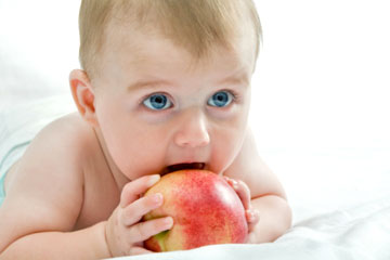 How To Feed Your Baby | Baby Development Chart | Baby Food Stages ...