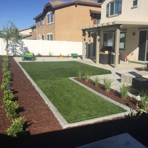 landscaping to help sell your home