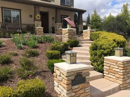 Front yard craftsman landscape