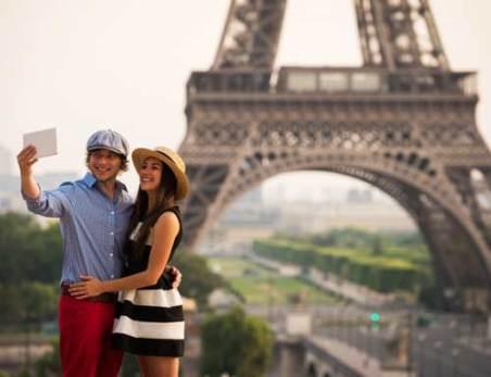 7 Manfaat Liburan Bersama pasangan