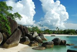 Destinasi Wisata Pantai Tanjung Tinggi Pulau Belitung