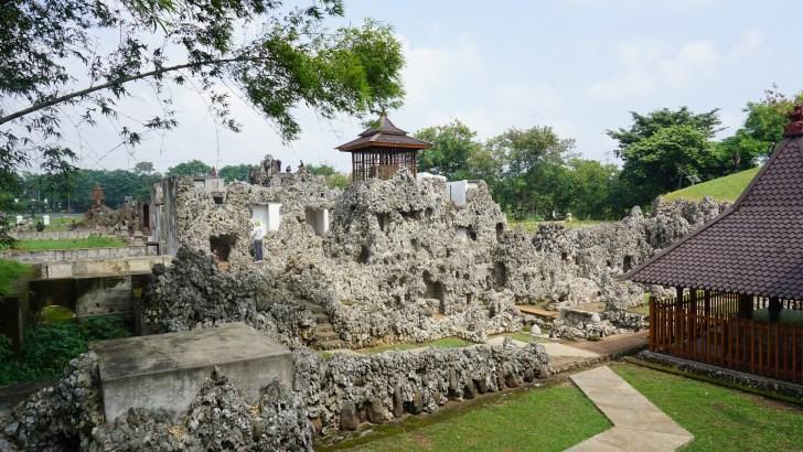 Tempat Wisata Tradisional di Cirebon yang Kental Sejarah dan Budaya - Gua Sunyaragi