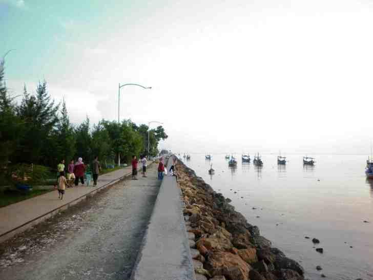 Wisata Alam di Tuban yang Eksotis - Pantai Boom