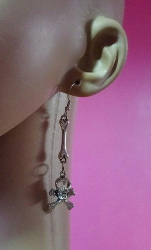 Silver skull and cross bone earrings