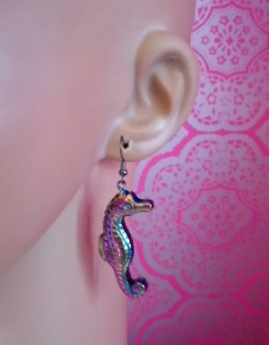 Iridescent 3D seahorse earrings
