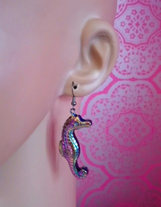 Iridescent 3D seahorse earrings